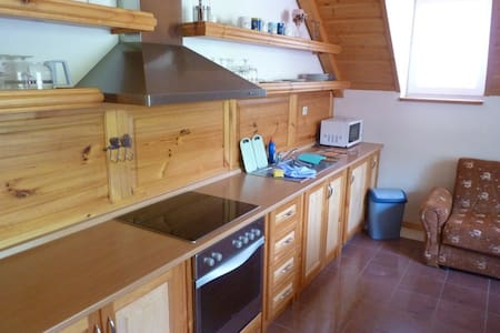 3 bed apartment in apartment house