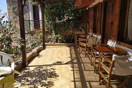 Molyvos Nice Lela's Studios closed to everything - Mithimna - Apartment