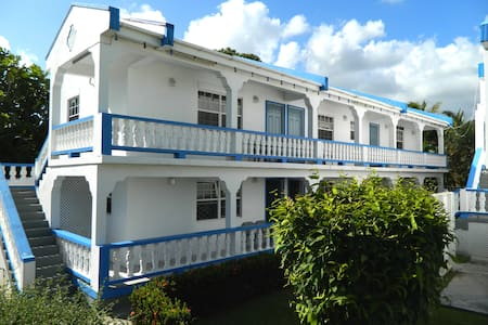 Skyblue Beach Apartments - Konukevi