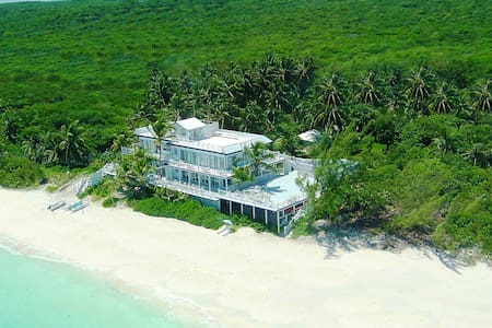 CELEBRITY BEACHFRONT VILLA 4-7 BEDROOMS - George Town - Villa