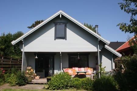 Finisch wooden house - Warmenhuizen