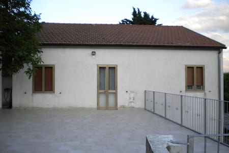 Large rural house  - Brittoli
