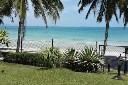 On the Beach. Your Private Bungalow - Appartement