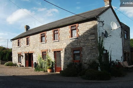 Bective Mill House B&B - Family Room - (RM1) - Bective - Bed & Breakfast