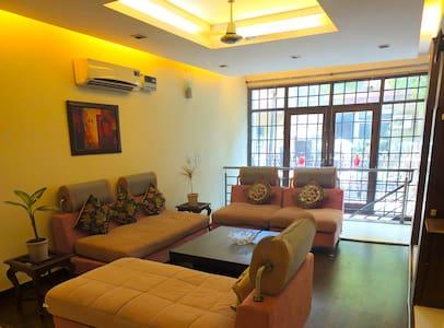 Chic duplex house in South Delhi - Apartment