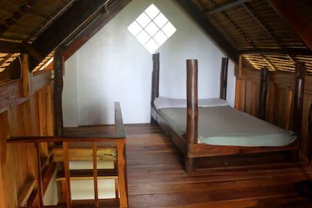 Residencia Miramar - Pacific Cabin - General Luna - Haus