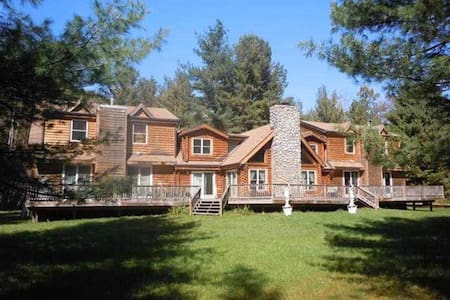 Big Indian Log Home on the Esopus ! - Big Indian