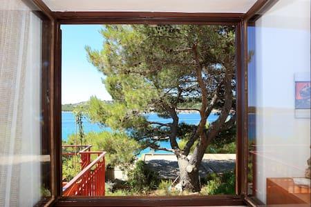 ☀ charming apt. by the sea Tisno ☀ - Tisno - Apartamento