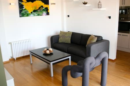 Seafront Apartment in Port Saplaya - Wohnung