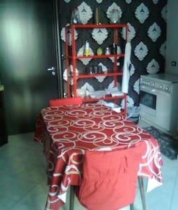 Stanza da letto e cucina euro 15,00 - Palermo