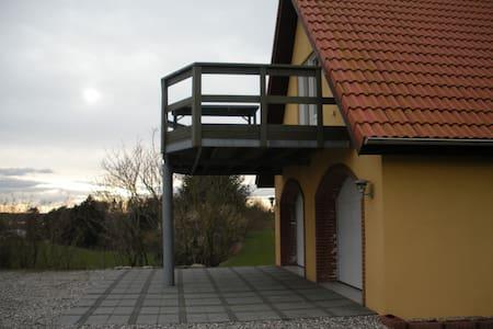 Hyggelig lejlighed på 120 m2 - Aalestrup - Lägenhet