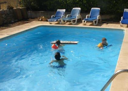 Family Vila w Pool close to Alvor - Mexilhoeira Grande