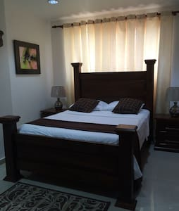 Charming 1  bedroom studio apt - Leilighet