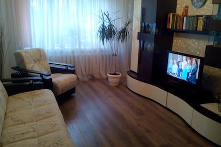 Уютная комната в приморском городе - Lägenhet