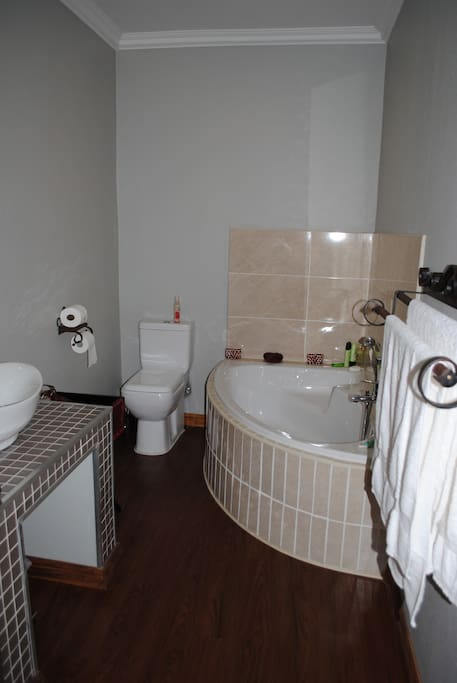 Bathroom Solid Rock