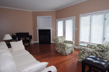 Country club townhouse - Advance