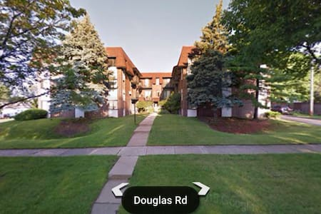 Cozy Condo near CHI Airports, Metra - Downers Grove - 公寓