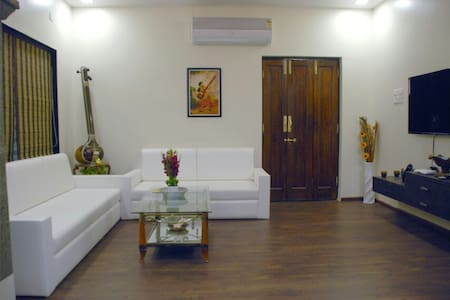 Bright and Airy Room - Nagpur