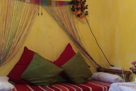 Hello to you in Rabat/1PERSON:100MAD/couple:160MAd - Salé - House