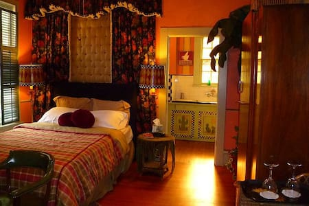 Robin's Nest, Bed and Breakfast Inn - Houston - Bed & Breakfast