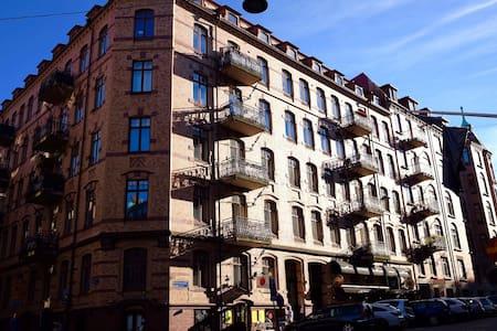 Sekelskiftesvåning vid Avenyn - Göteborg - Flat