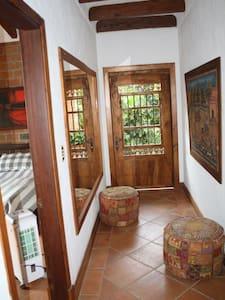 Casa Campestre los Canelos  Callejon de Chambery - House