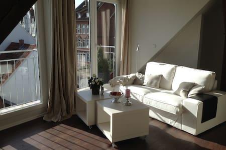 HOME mit Weitblick über Lüneburg - Pis