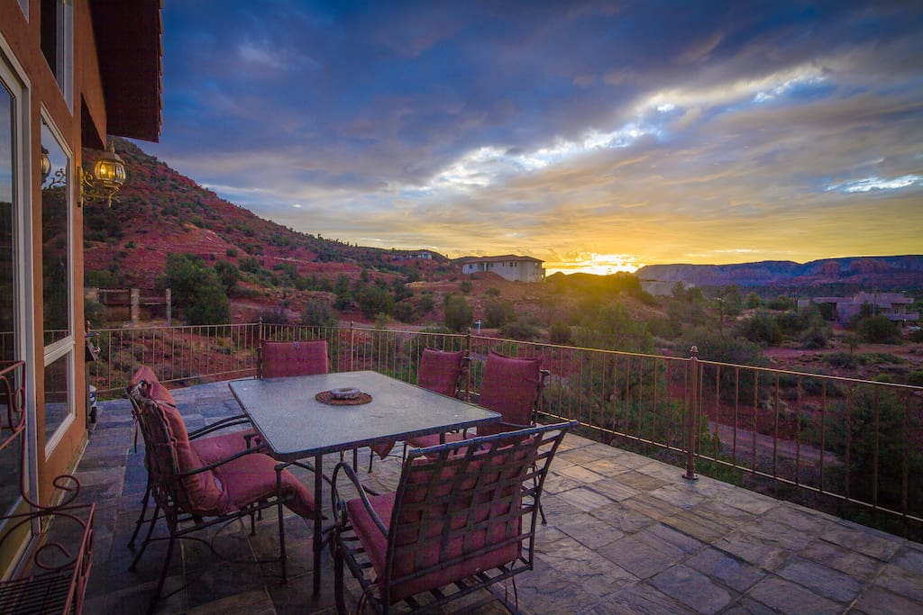 Outdoor dining over the red rocks