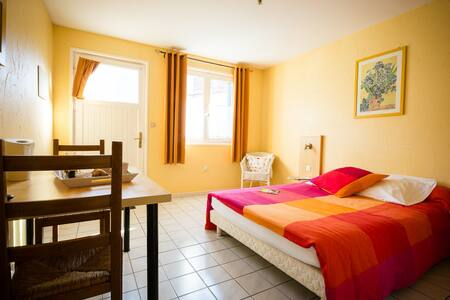 L'auberge fleurie Somme Picardie - Heilly - Aamiaismajoitus