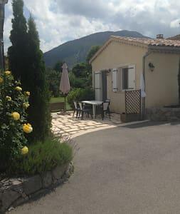 Castellane Charmant Studio 4pers - Casa