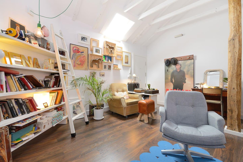 HOUSE-BELFRY  /  CASA-CAMPANARIO