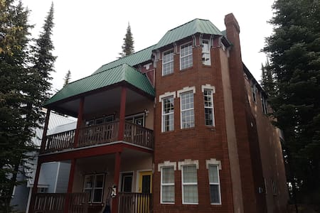 Stay at Fawlty Towers at Silver Star Mountain! - Vernon