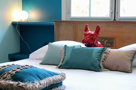 Chambre de charme dans petit hôtel - Barbizon - Bed & Breakfast