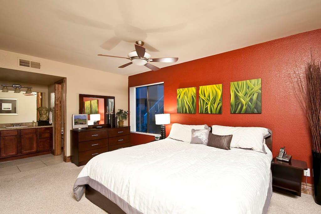 Luxury Condo in Heart of Scottsdale