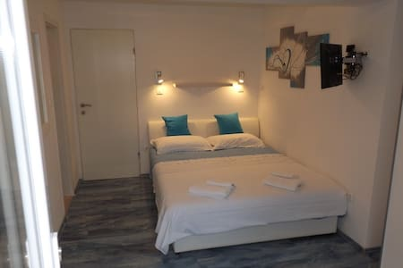 Triple room 1,5 km from Old Town - Dubrovnik