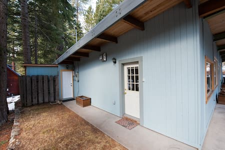 Pvt. attached studio by the lake - Carnelian Bay - House
