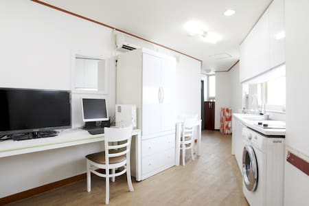 "This is a private studio with a private bathroom & toilet and a private kitchen. It is nearby by ""Dongdaemun, the best place to enjoy shopping and to appreciate the historical atmosphere. And the E-Mart and the Cheonggye stream is within stone' cast."