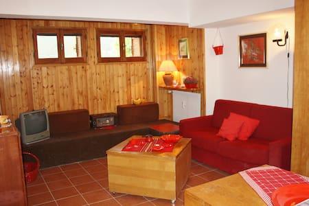 Appartamento  rosso 6 posti letto - Pescasseroli - Apartemen