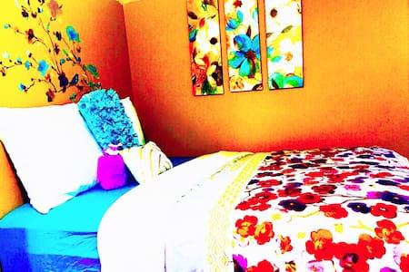 Room CHEAP - House