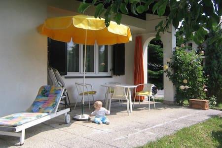 Kleines Häuschen für 6 Personen - Villach - House