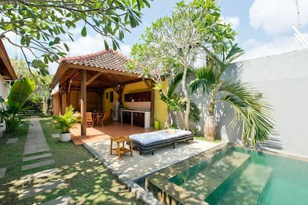 Enjoy your holidays in paradise in this beautiful, tranquil, four-bedroom Bungalow-Villa.  In this serene villa you can escape from the normal routines of daily life and not only soak up the sun, but the true pleasures of life.