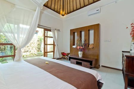 Balangan Beach Bed and Breakfast - South Kuta - Bed & Breakfast