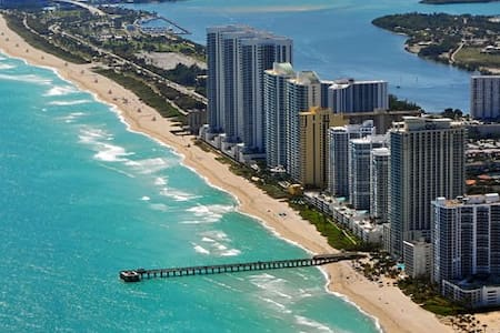 Beautiful apt in Sunny Isles beach - Appartement