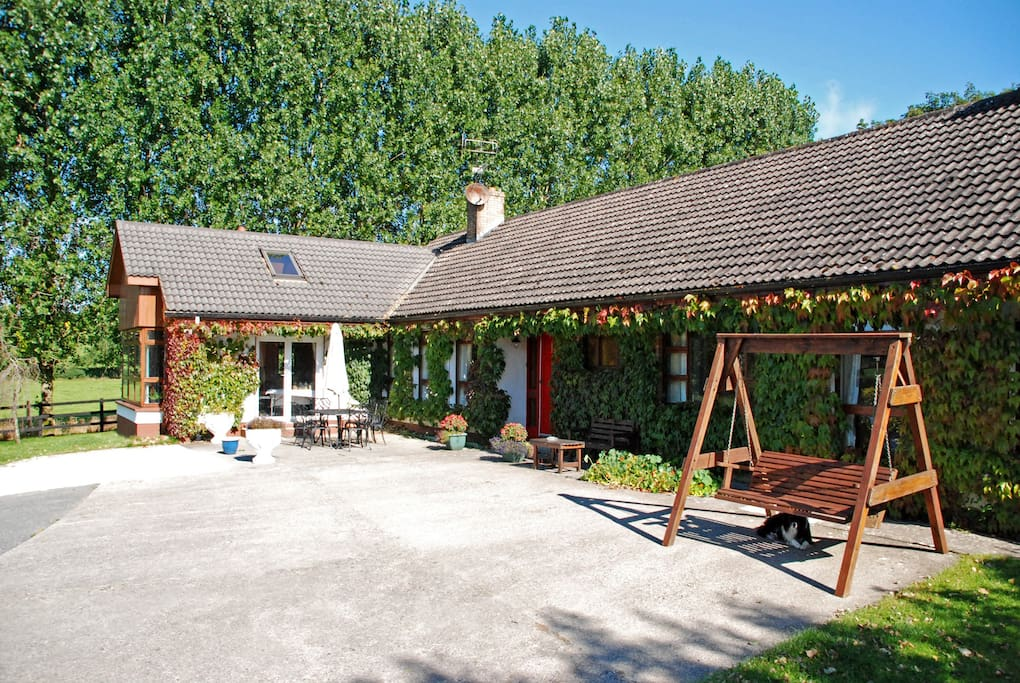 bungalow farmhouse