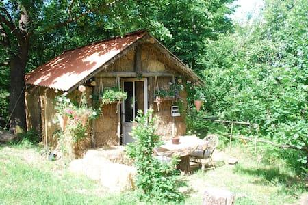 country life-la casa di paglia - Maja