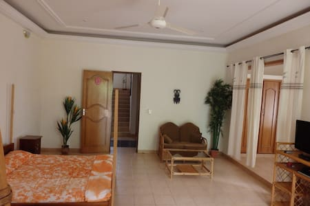 La villa Sougri Doogo, suite - Ouagadougou - Bed & Breakfast