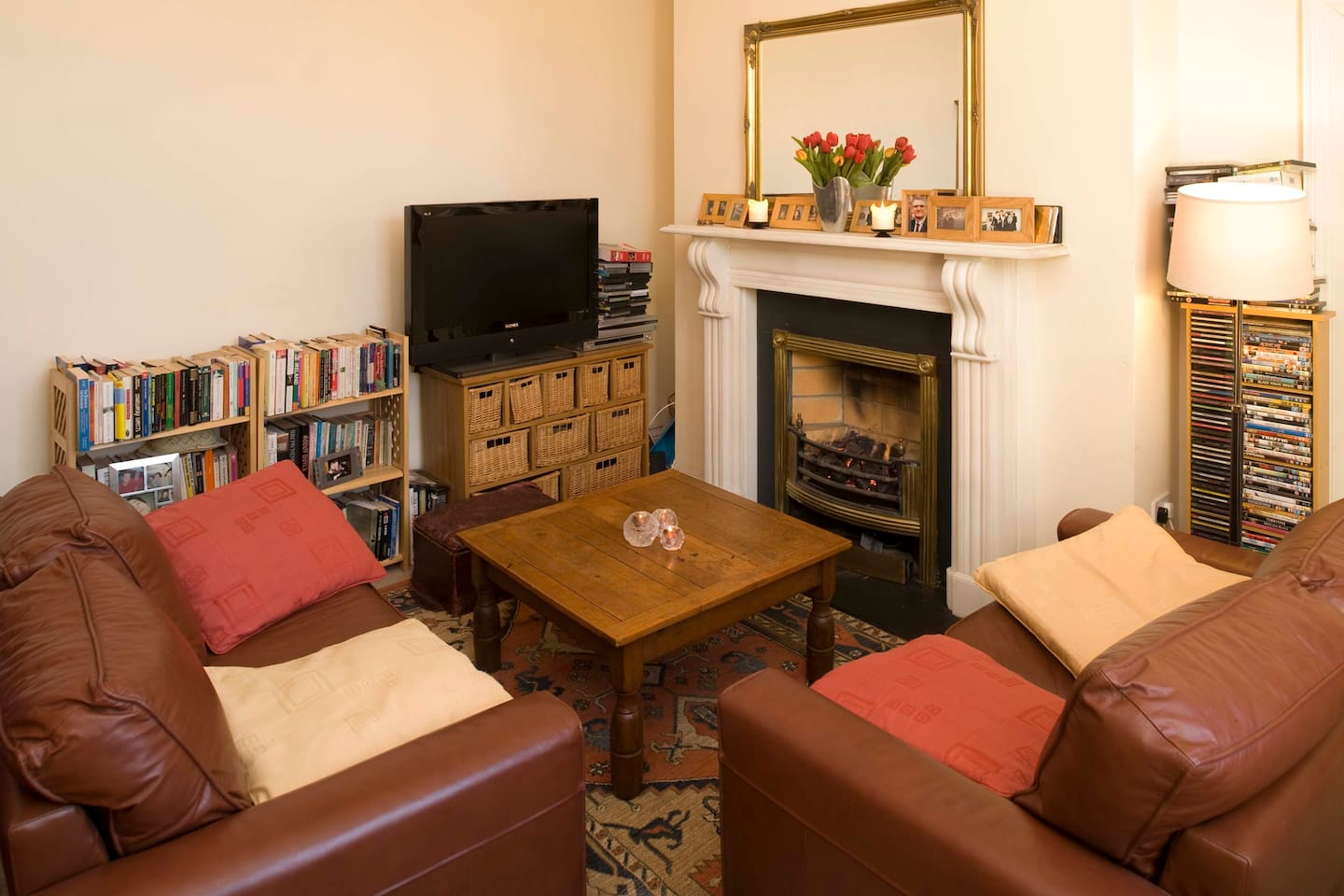 Living room, mantelpiece and gas fire.