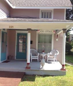 Rose Cottage B & B Master Bedroom - Bed & Breakfast