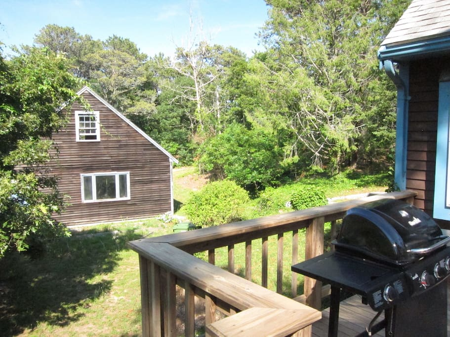 Large BBQ, and a picturesque weathered barn with recreation room, ping pong