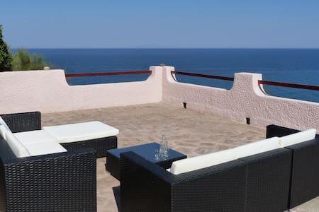 villa au bord de la mer - Pietracorbara - Villa